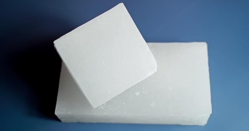Paraffin wax 横向图片
